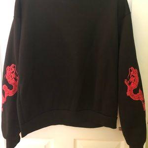 CHINESE Dragon sleeved sweatshirt. L, black & red